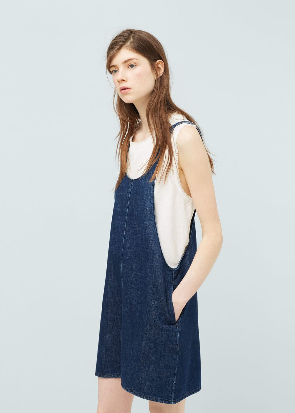 Dark denim pinafore dress women mango usa for Robe jean mango