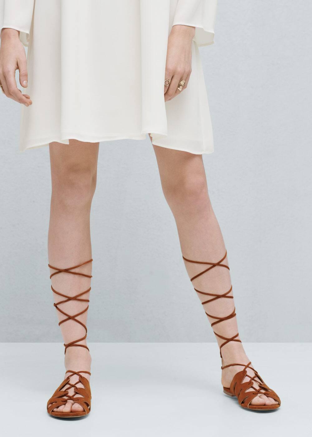 Criss-cross straps sandals | MANGO