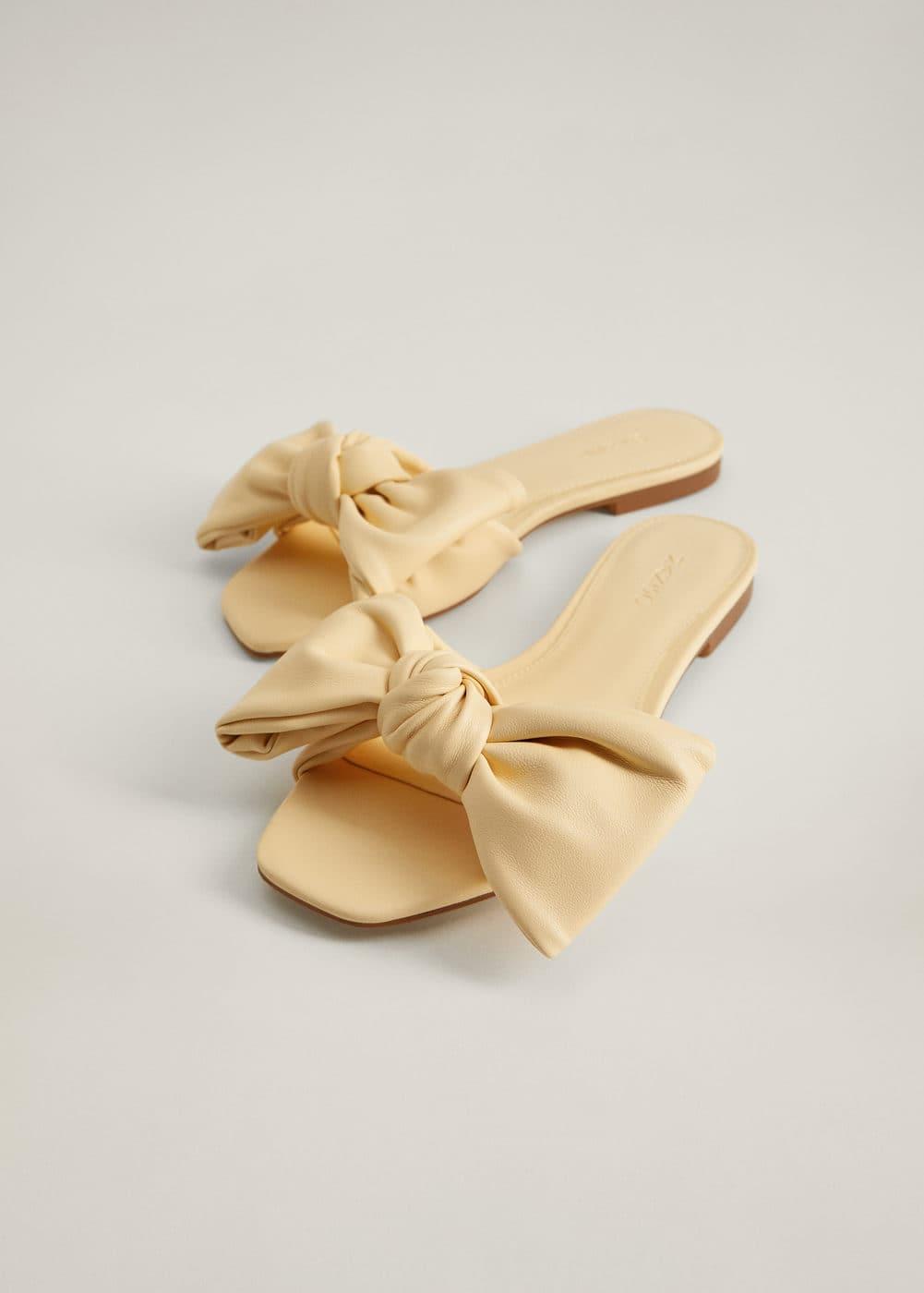 m-momo:sandalia plana nudo