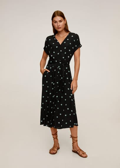 Gemustertes kleid mit polka dots