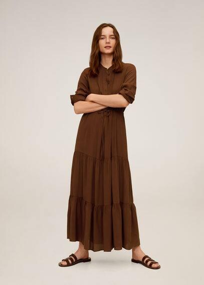 Langes kleid mit volants