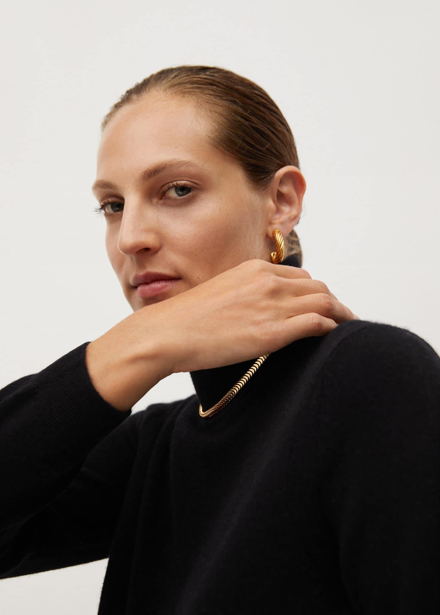 Turtleneck cashmere sweater Woman | Mango Kosovo