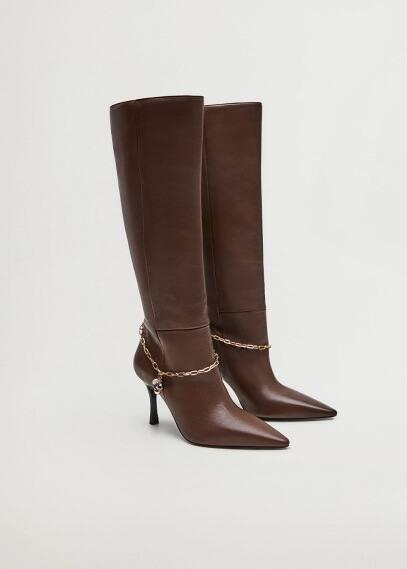 Женские ботинки Mango (Манго) Кожаные сапоги с цепочкой - Soup