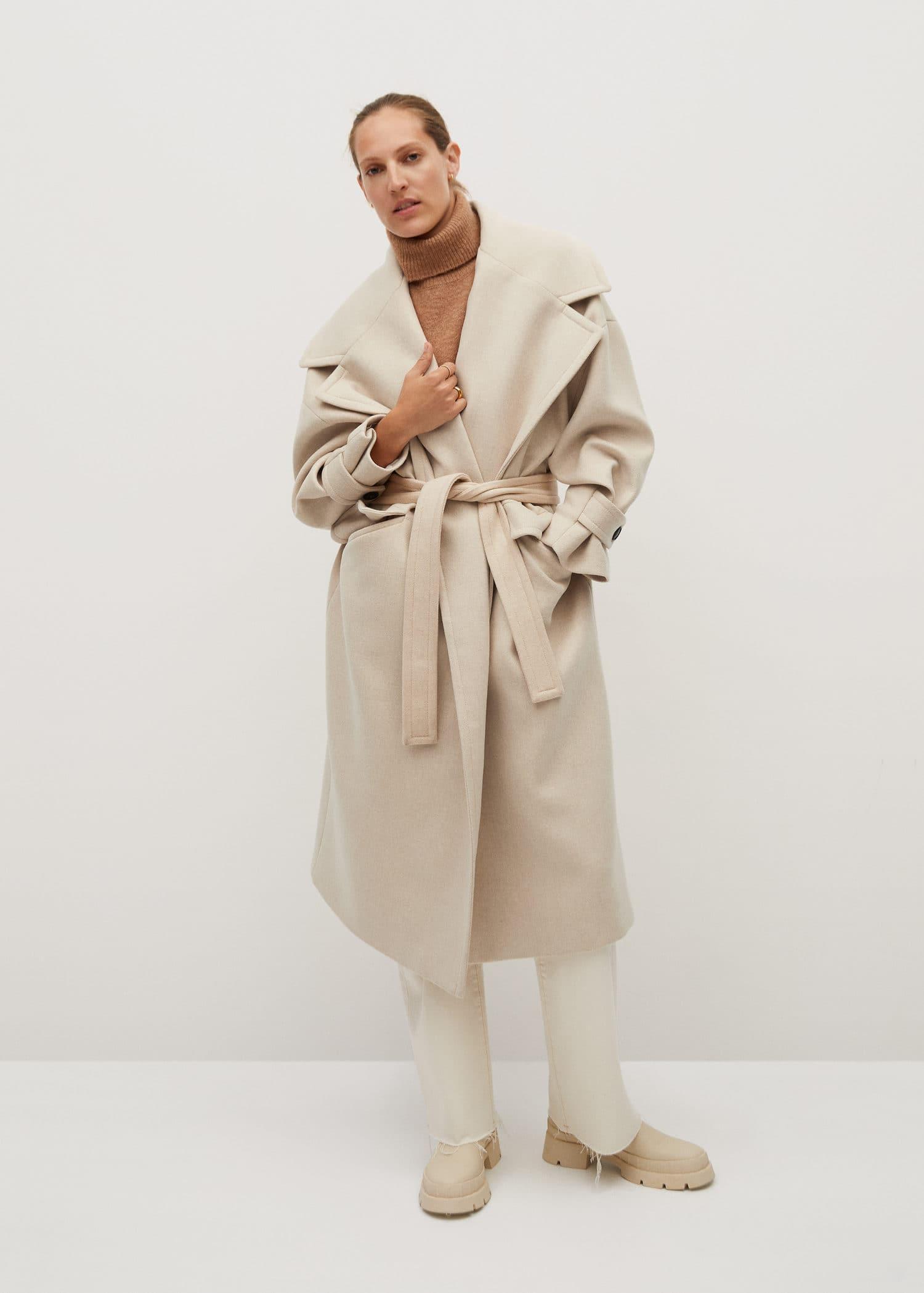 Zincir detaylı yün palto