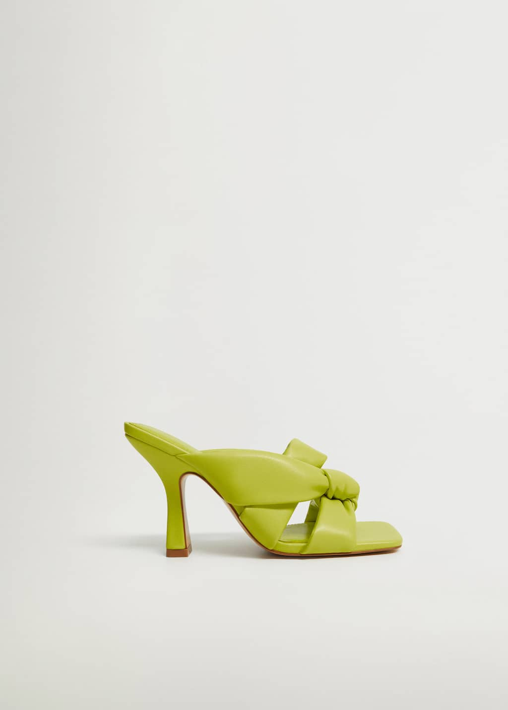 Knot heel sandals - Article without model