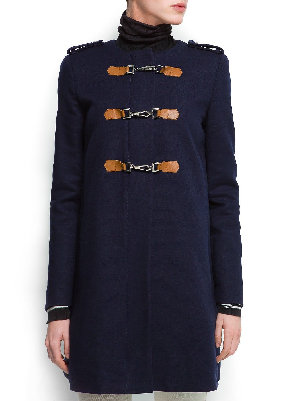 Coat with lobster clasp fastening | MANGO