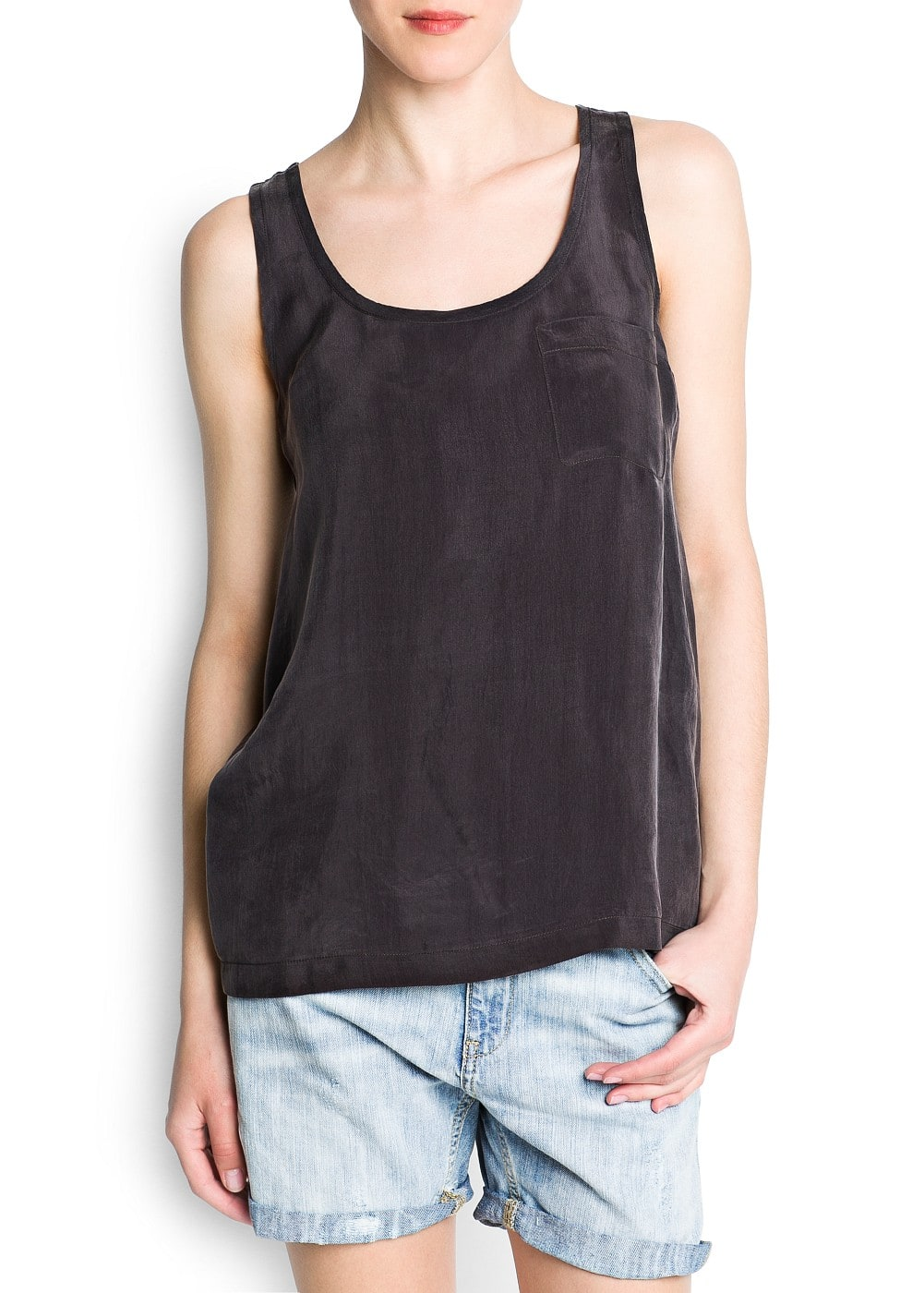 Loose-fit top with pocket | MANGO