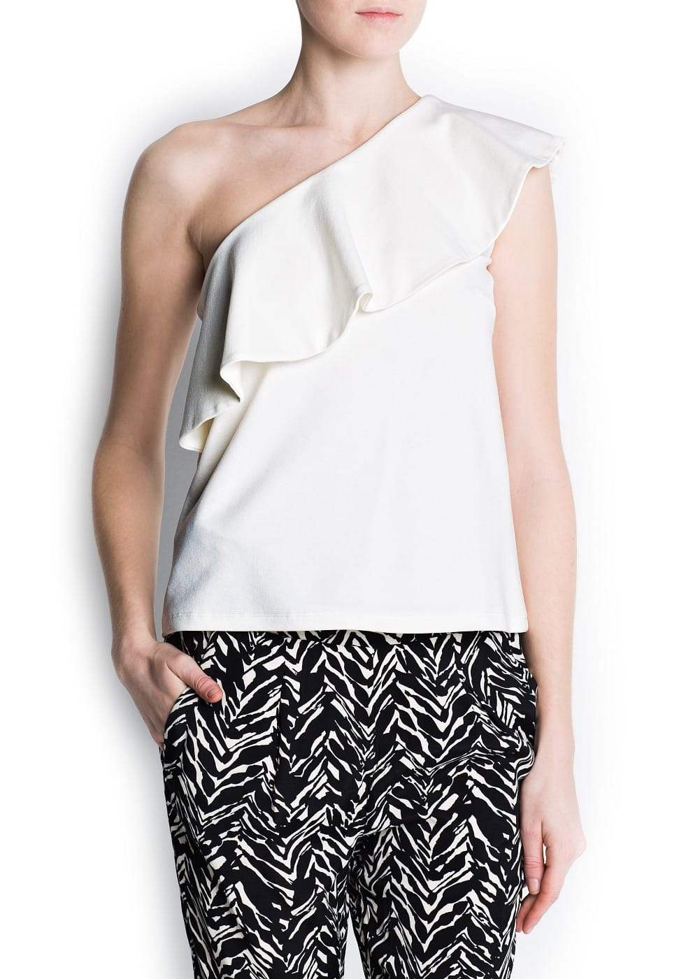 Asymmetric ruffle top | MANGO