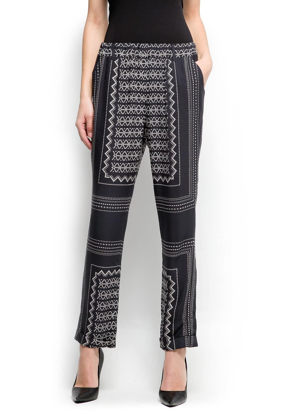 Geometric print trousers | MANGO