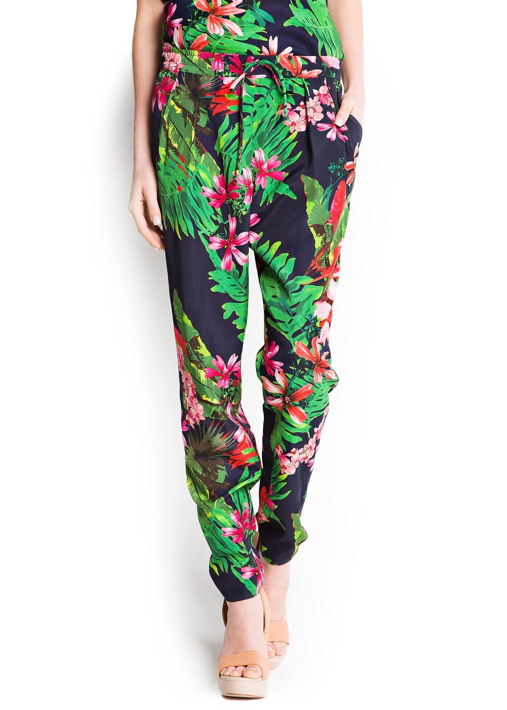 Floral print baggy trousers | MANGO