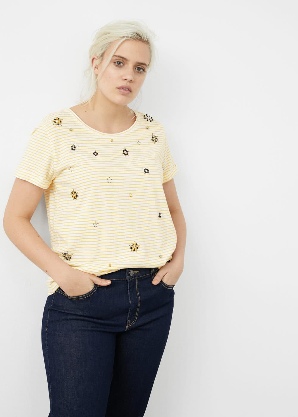 Embroidery beaded t-shirt | MANGO