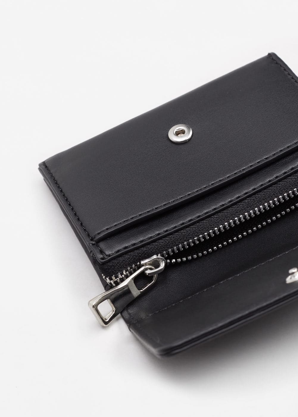 Multiple compartment cardholder | MANGO