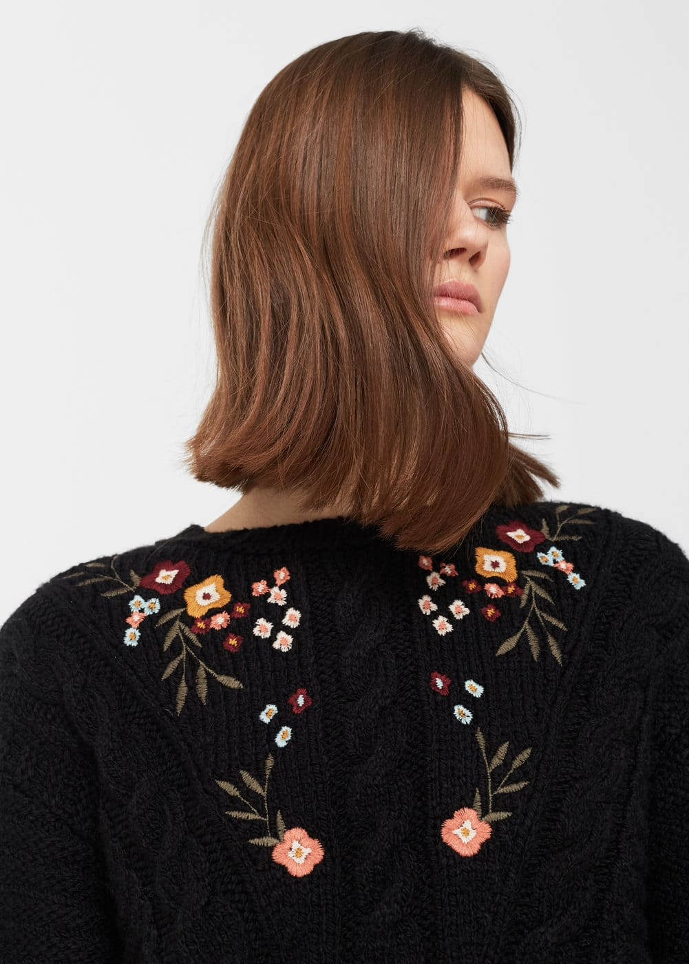 Flower embroidered sweater | MANGO