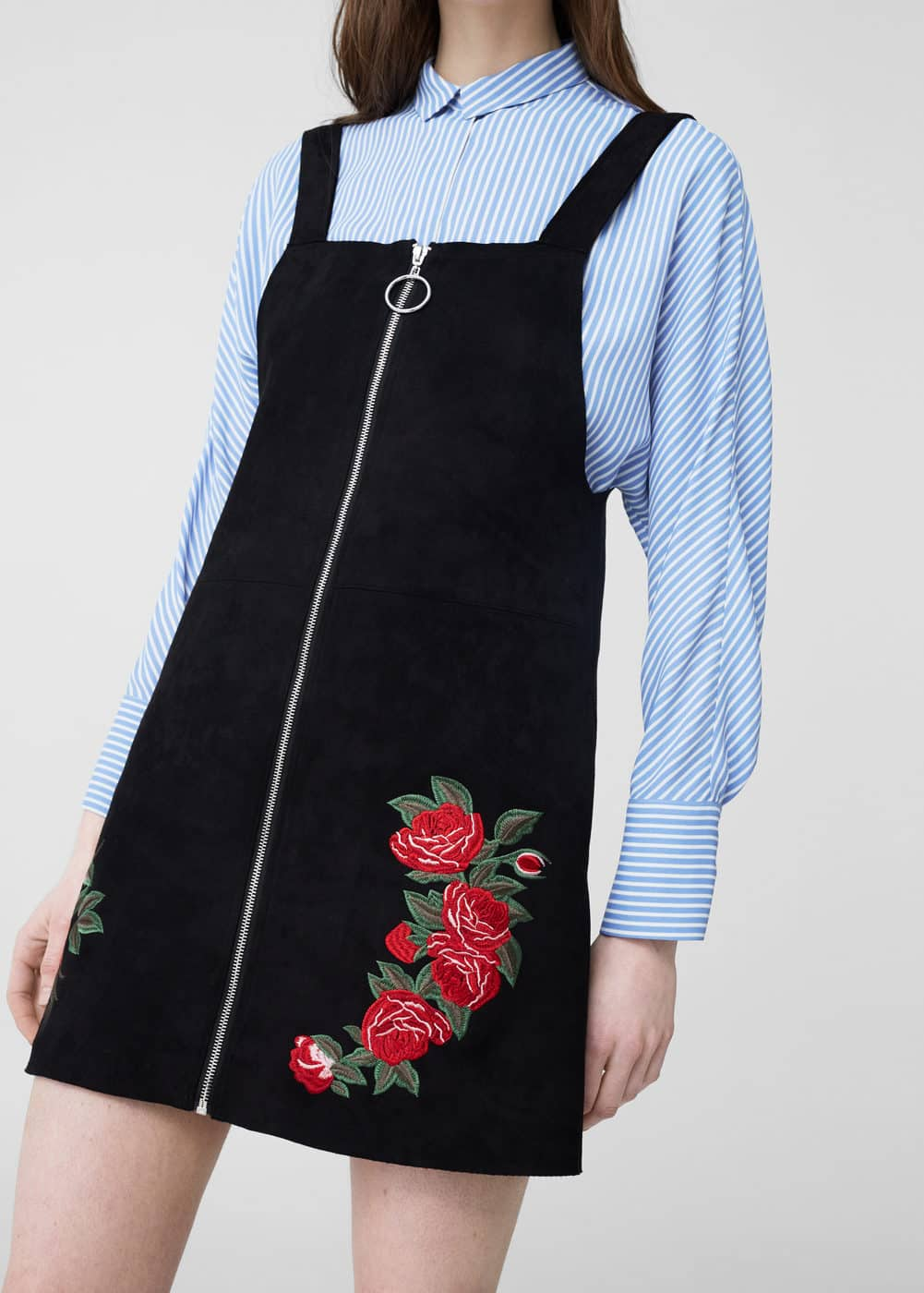 Embroidered pinafore dress | MANGO