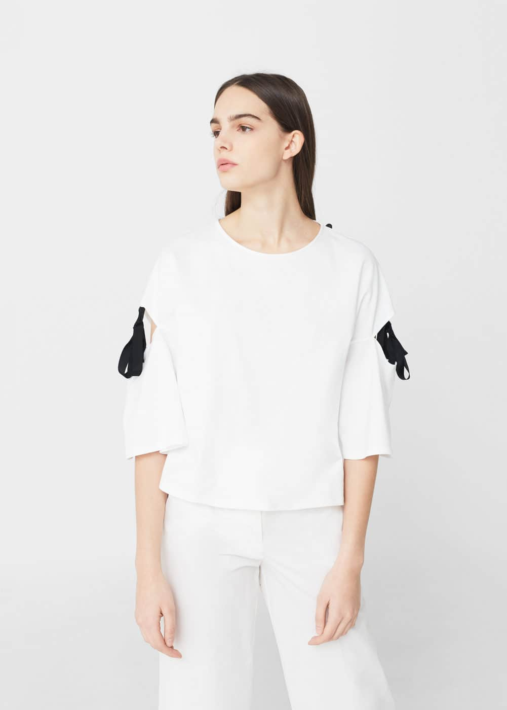 Side-slit bows t-shirt | MANGO