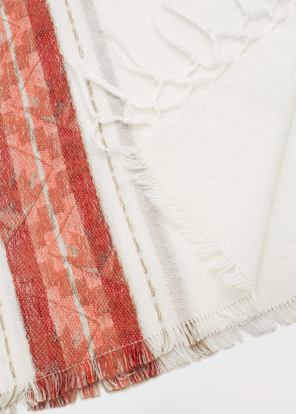 Embroidered cotton scarf | MANGO