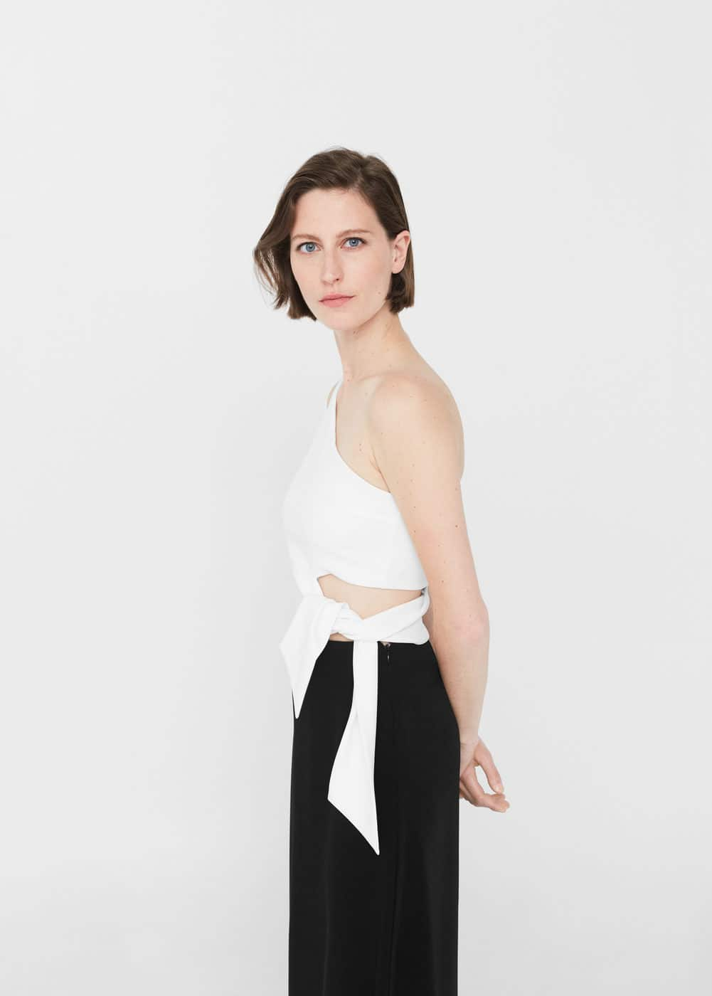 Asymmetric design top | MANGO
