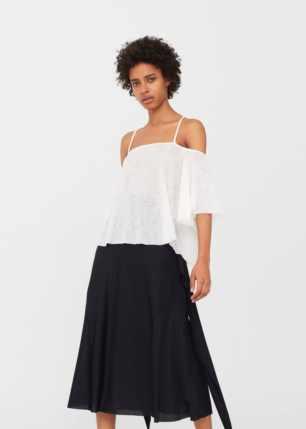 Off-shoulder t-shirt | MANGO