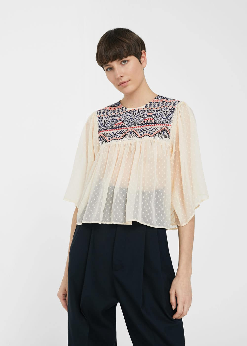 Blusa panel bordado | MANGO