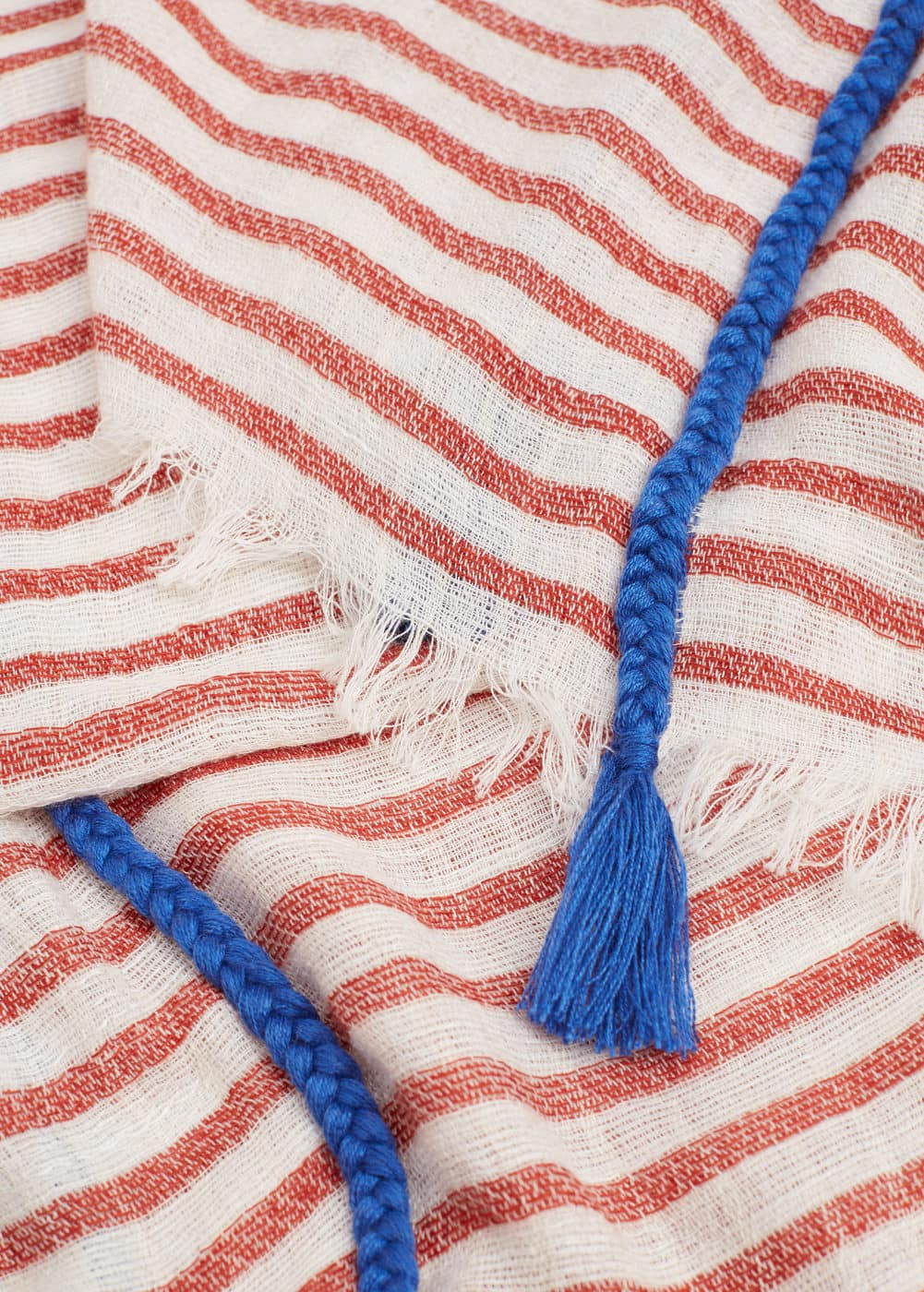 Striped scarf | MANGO