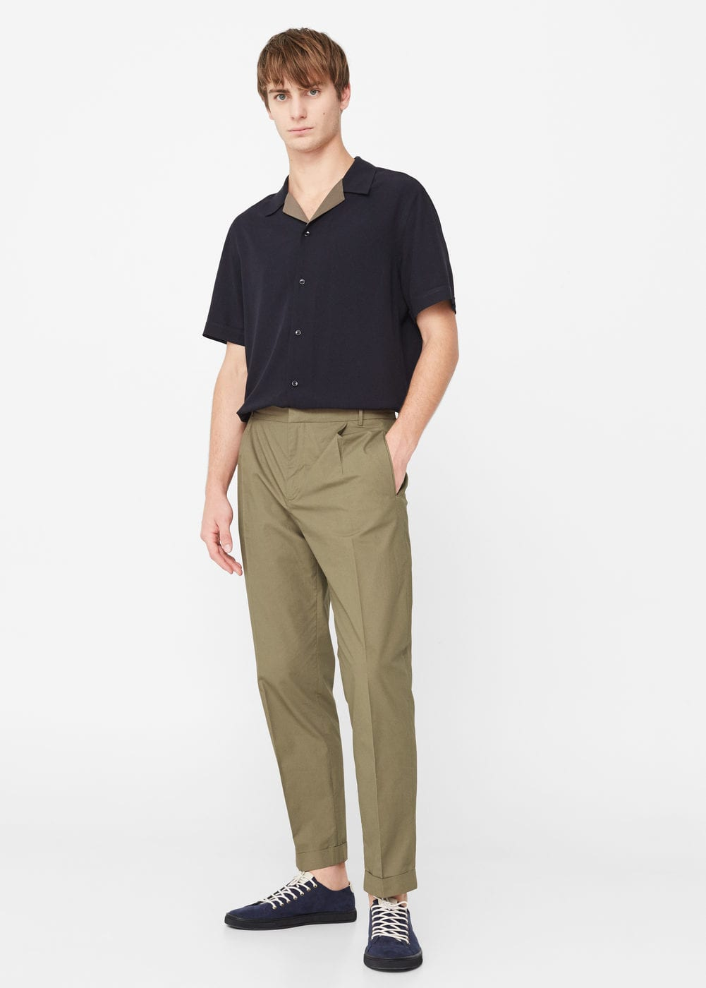 Pleated crop chinos | MANGO