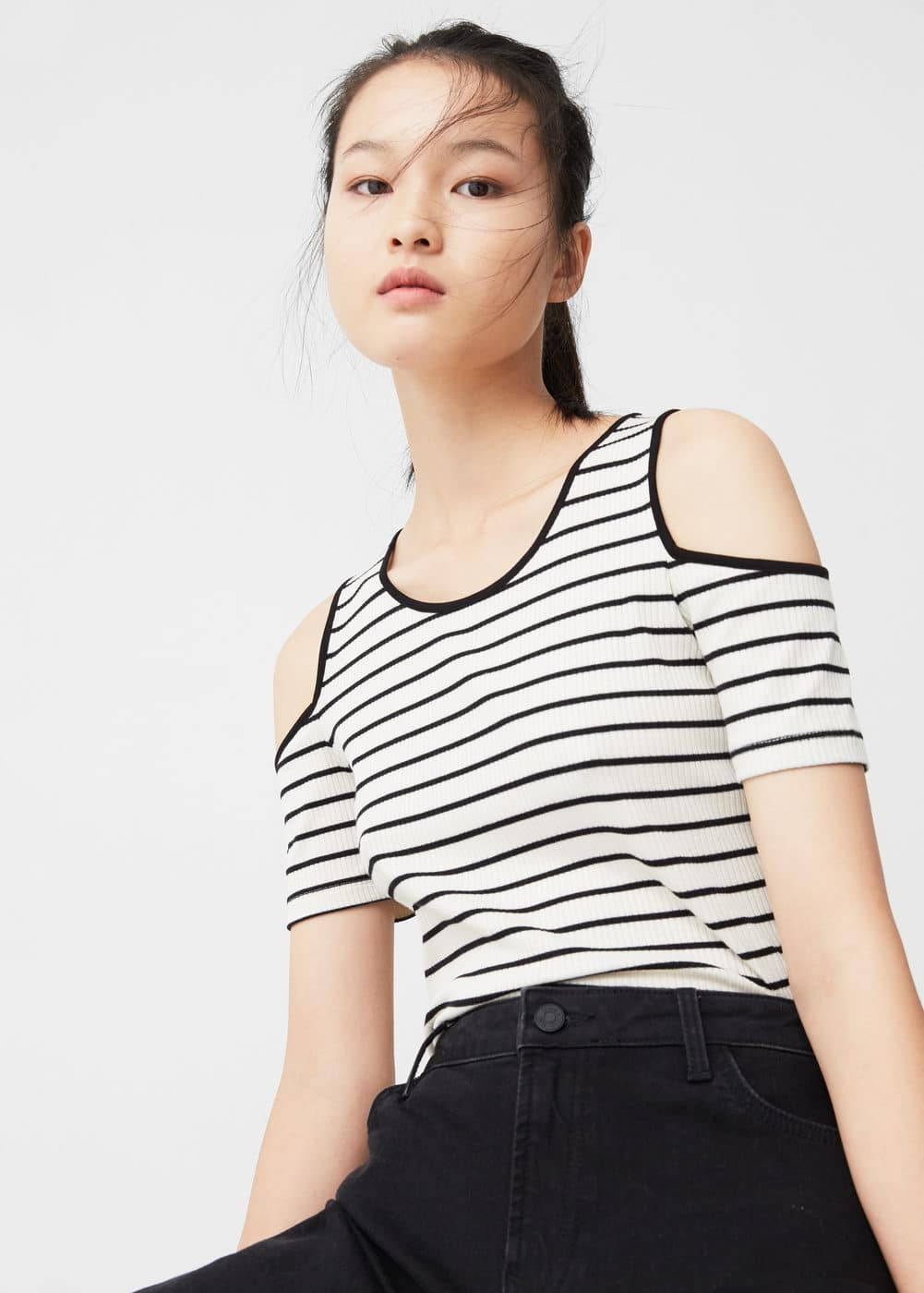 Camiseta off-shoulder | MANGO
