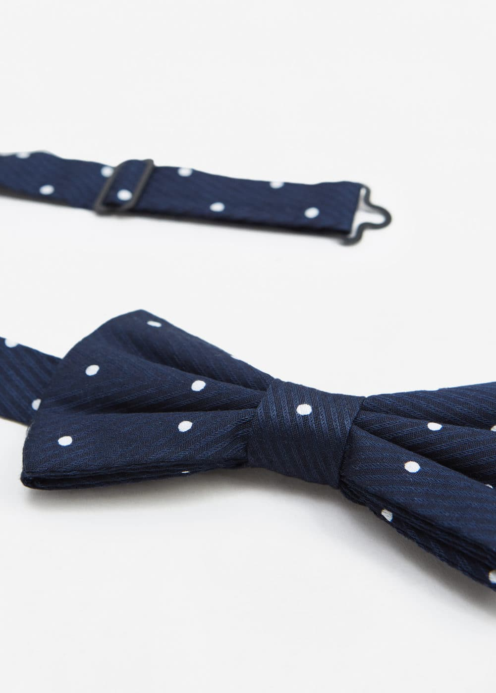 Polka-dot patterned bow tie | MANGO MAN
