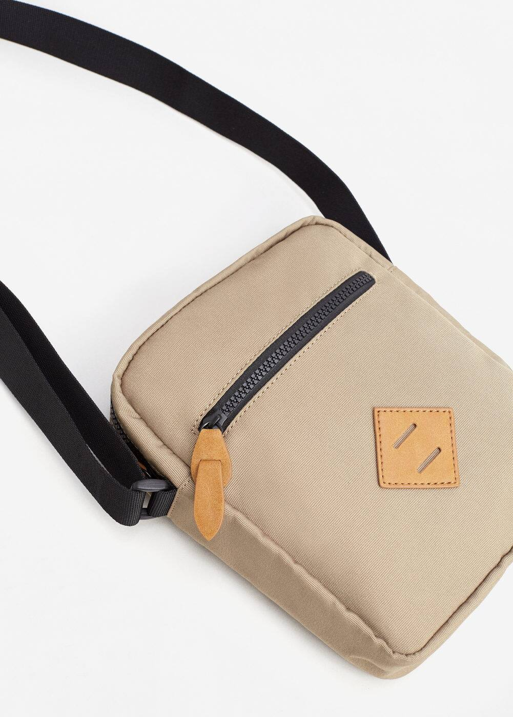 Contrast cross-body bag | MANGO MAN