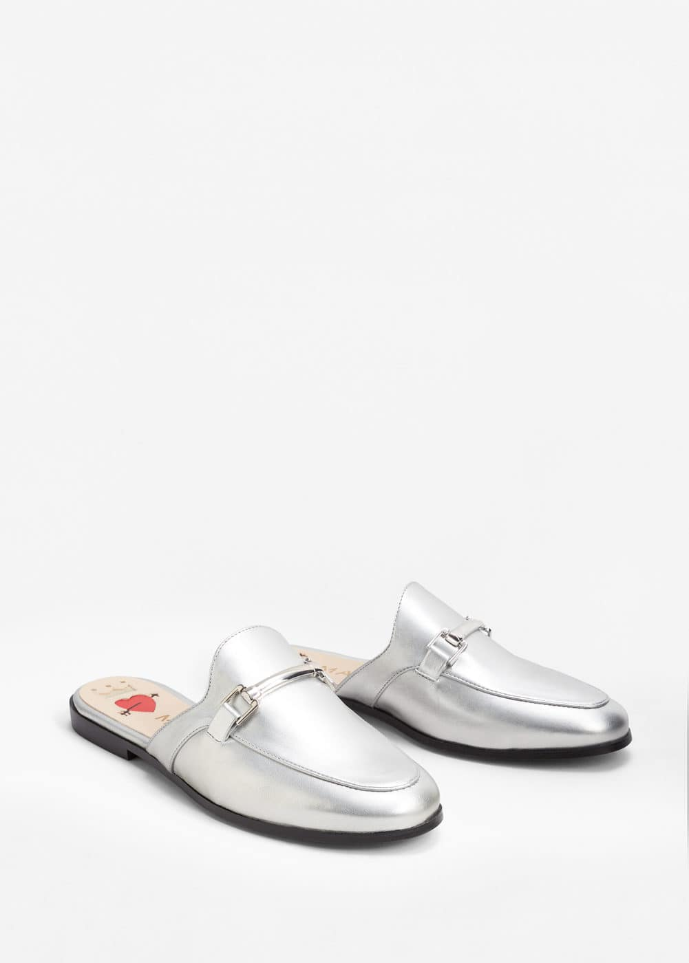 Metallic slip on loafers | MANGO