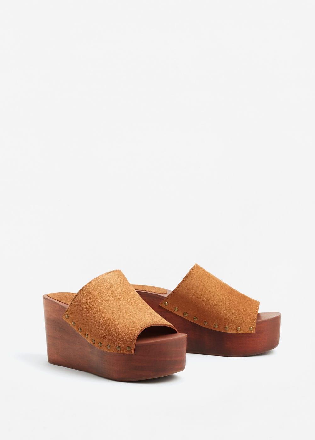 Wooden sole leather wedges | MANGO