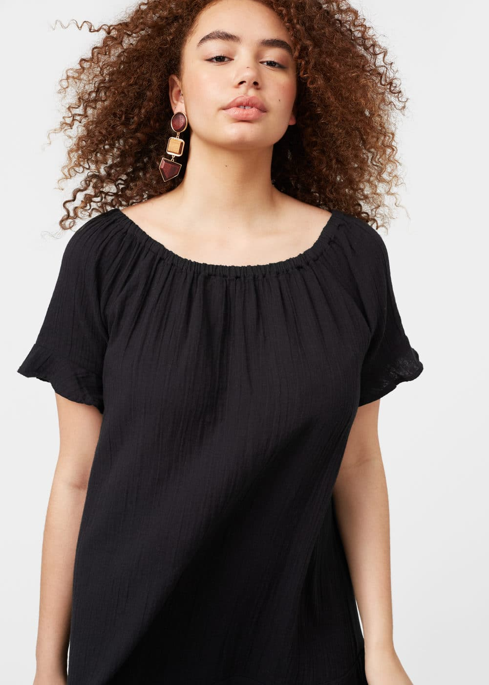 Contrasting off-shoulder dress | MANGO