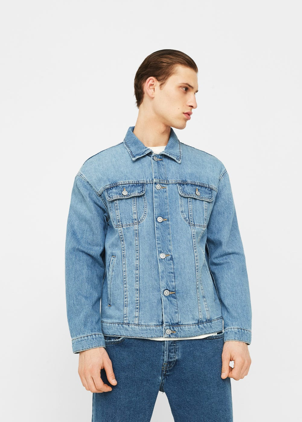 Oversize light wash denim jacket | MANGO