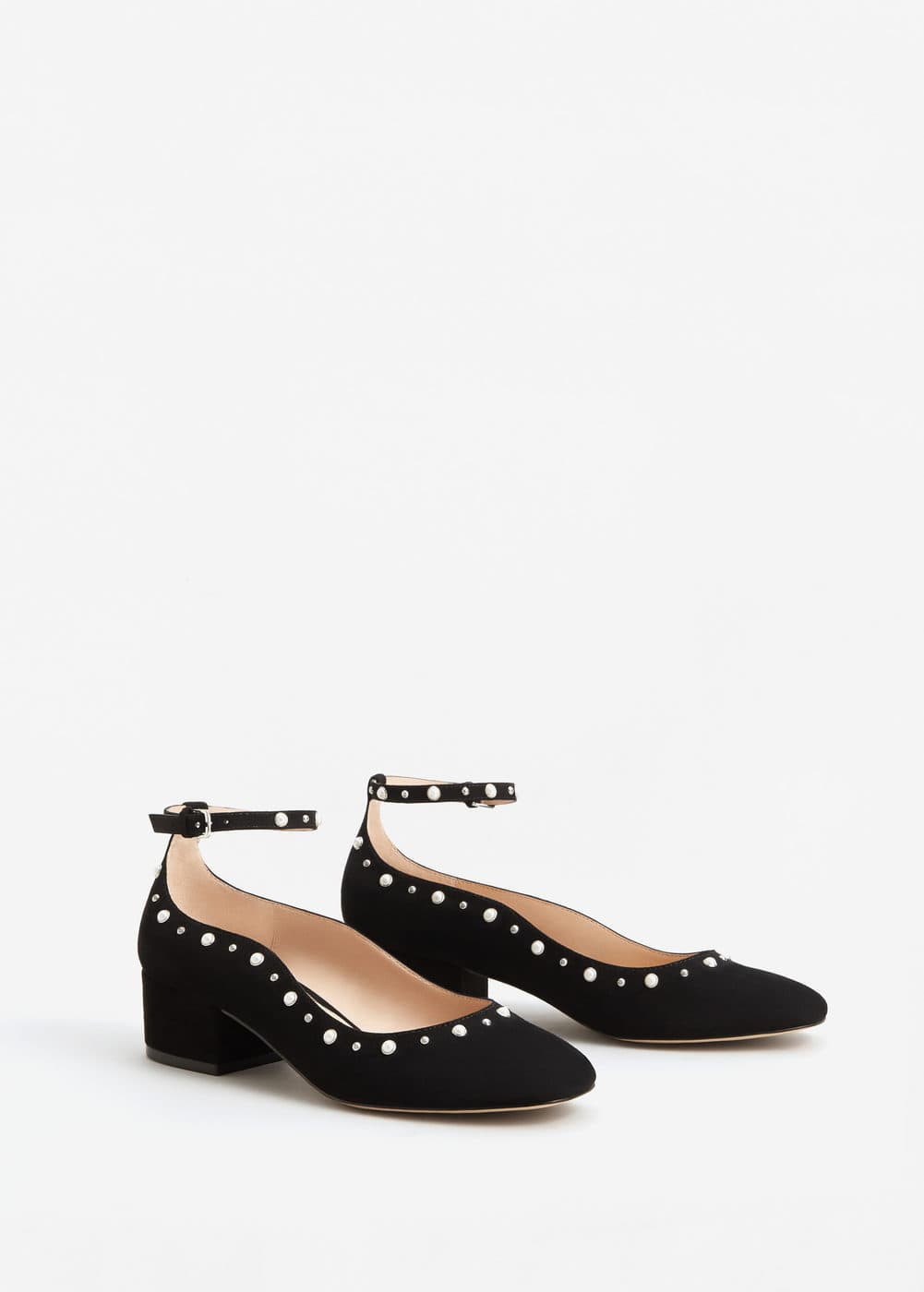 Ankle bracelet pearls shoes | MNG