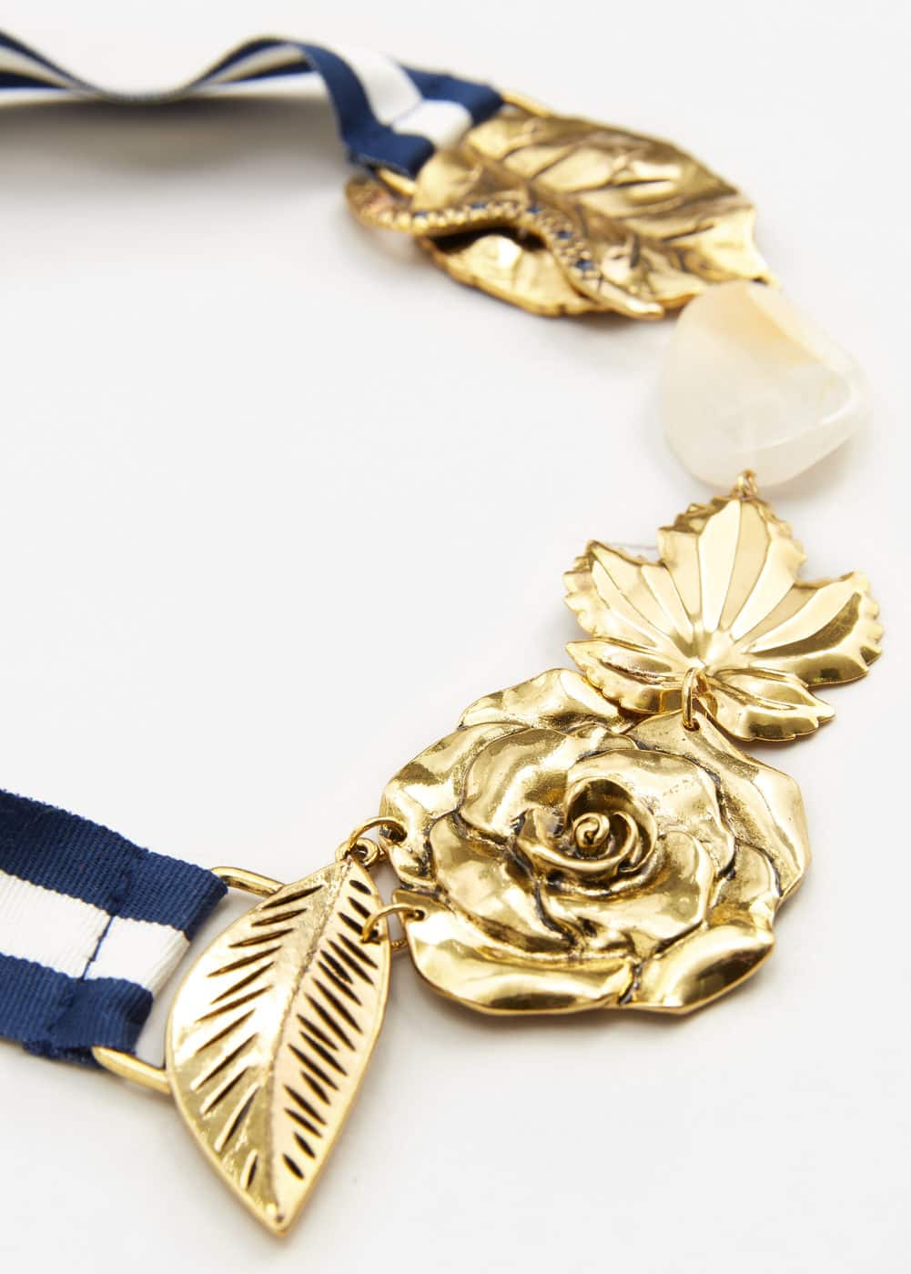 Bow flowers necklace | MANGO