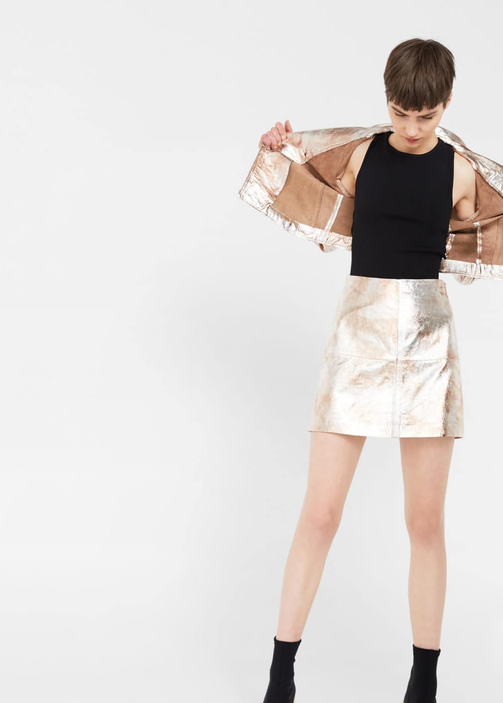 Metallic leather skirt | MANGO