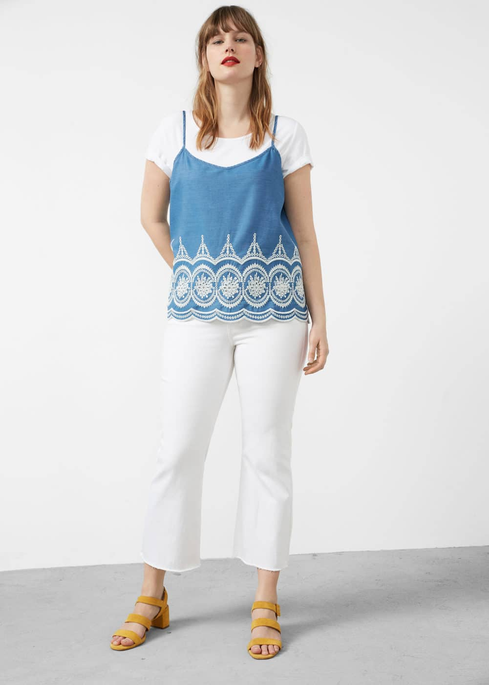 Embroidered denim top | MANGO