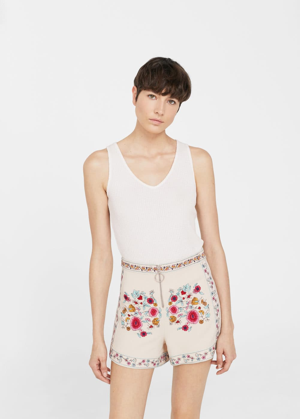 Floral embroidered shorts | MANGO