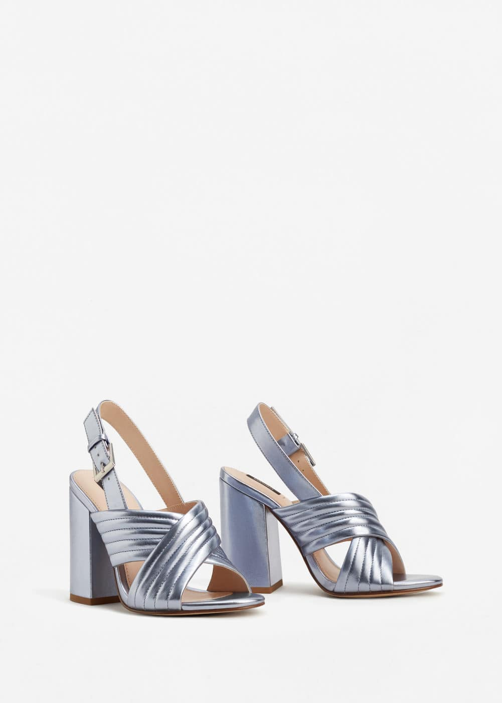 Metallic crossed sandals | MNG