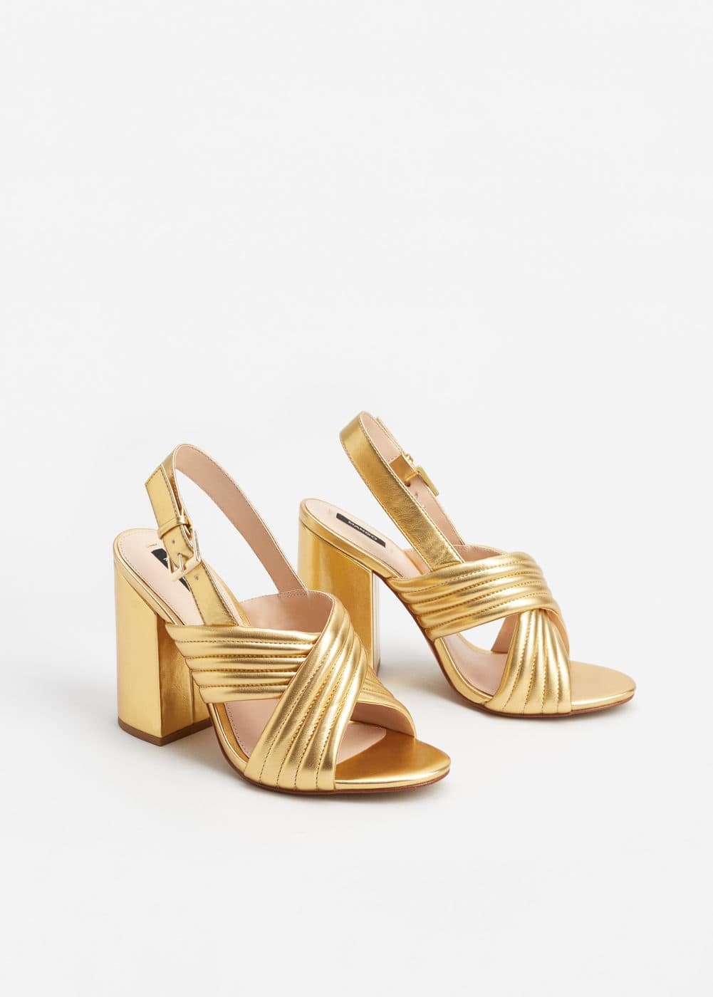 Metallic crossed sandals | MANGO