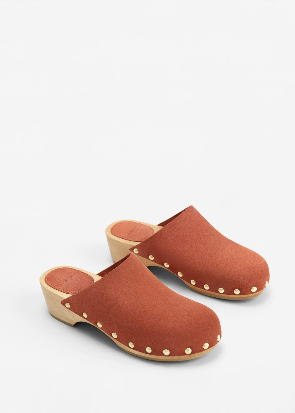 Studded leather clog | MANGO