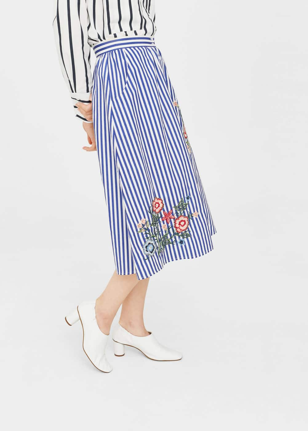Flower embroidered striped skirt | MANGO