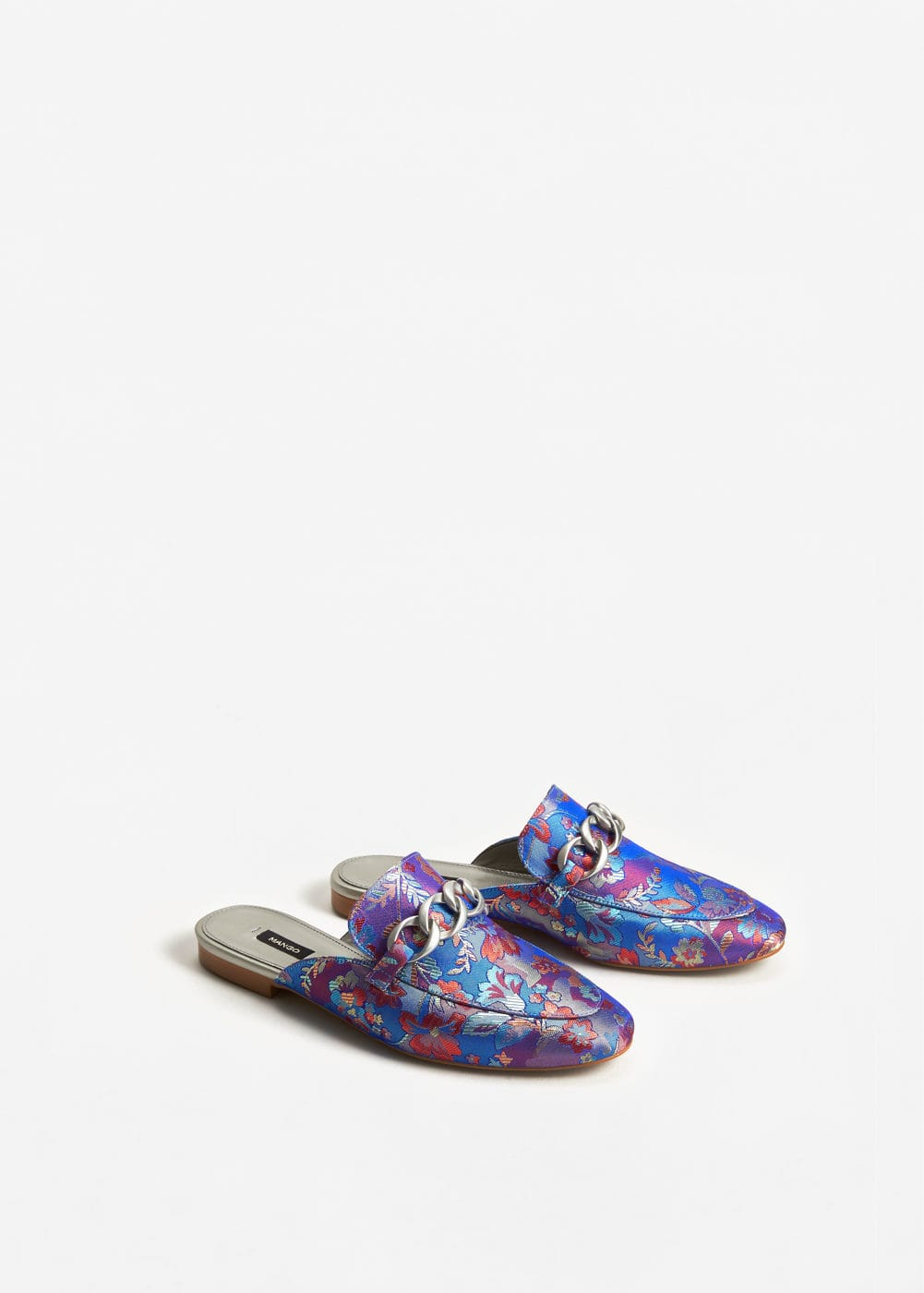 Link embroidered loafers | MANGO