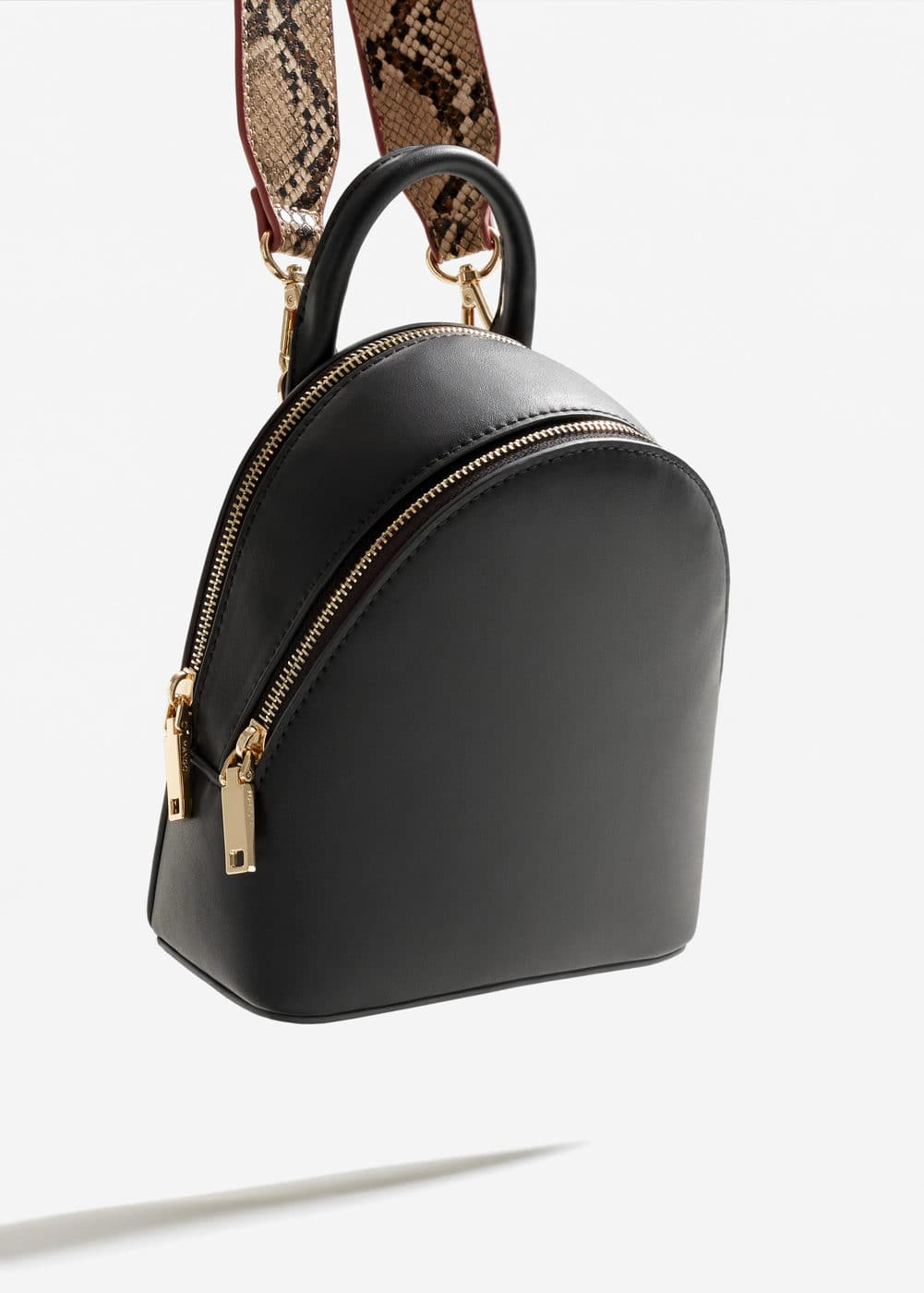 Backpack crossbody bag | MANGO