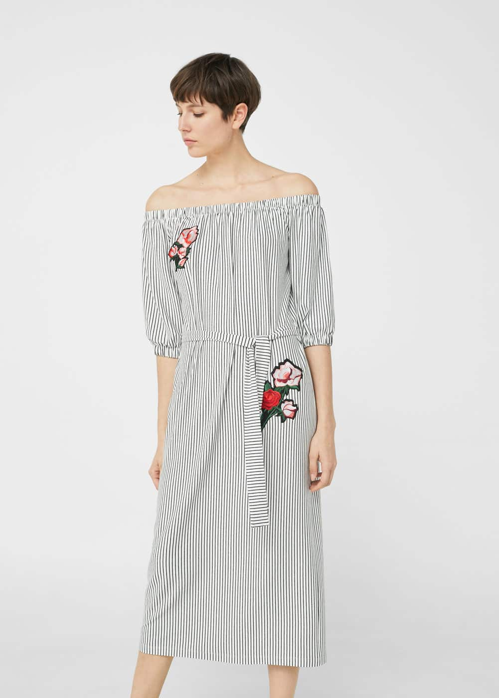 Gestreiftes off-shoulder kleid | MANGO