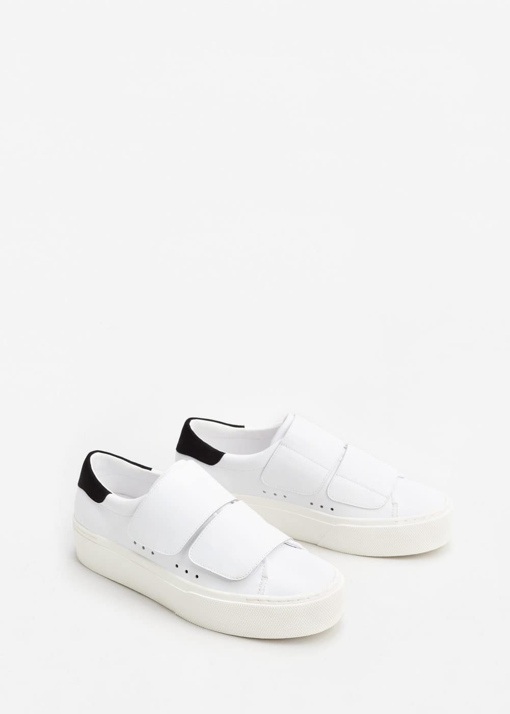Velcro fastening leather sneakers | MANGO