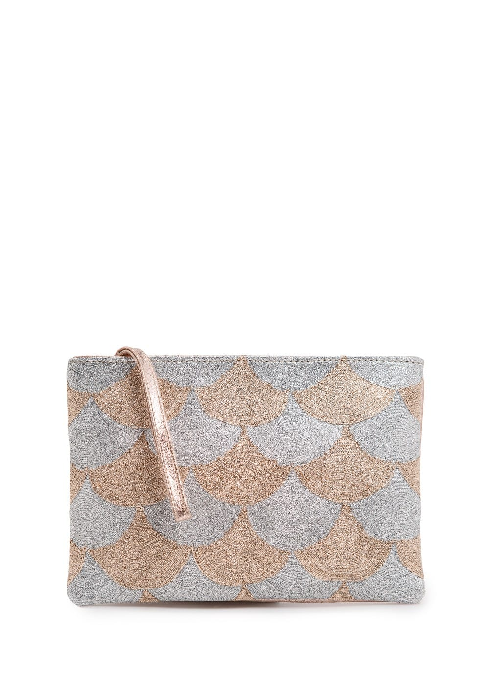 Scallop pattern metallic clutch | MANGO