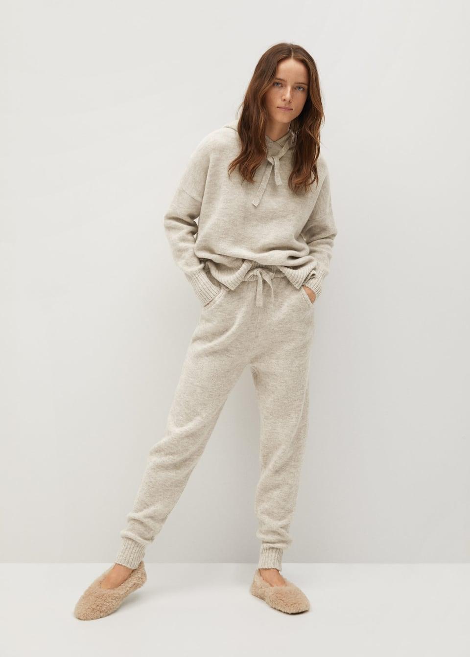 Knit jogger-style trousers - mango