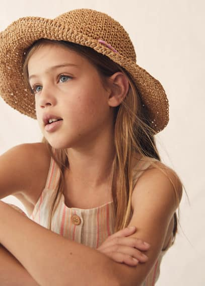 Crochet hoed van natuurlijke vezels